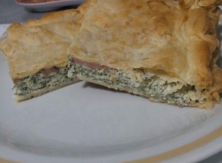 Focaccia di pasta sfoglia con ricotta e spinaci